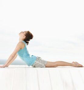 la-cobra-ejercicios-contra-el-dolor-de-espalda-yoga-lumbalgia-g1-1043