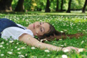 082-Objetivos-y-beneficios-de-un-grupo-terapeutico-de-relajacion_6672952_s